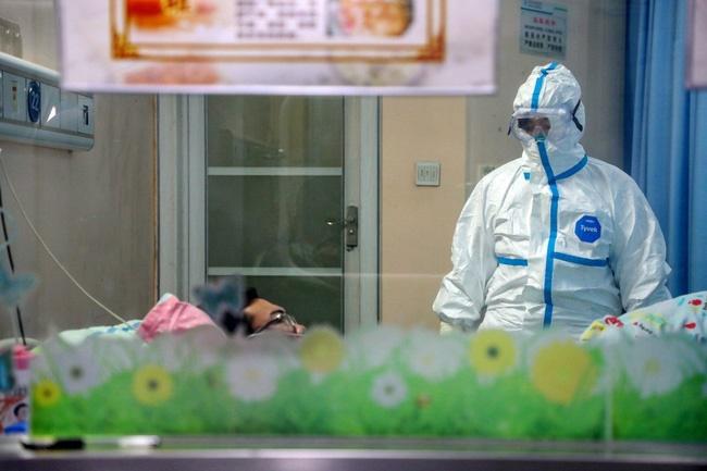 Virus corona tại Vũ Hán: 20 bệnh nhân nhiễm virus đã được phép xuất viện cùng lúc, hơn 1.300 trường hợp nhiễm bệnh bệnh mới, 259 người đã chết-3