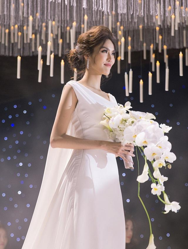 Váy cưới của vợ cầu thủ Văn Đức có giá 600 triệu đồng?-3