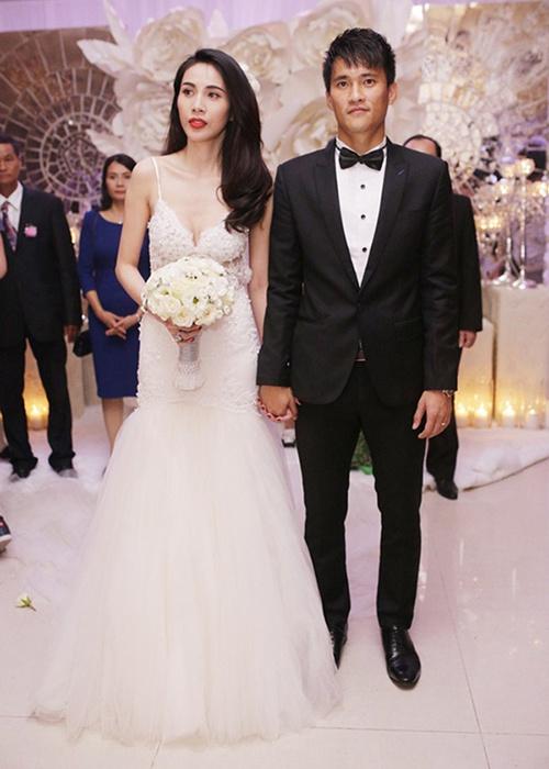 Váy cưới của vợ cầu thủ Văn Đức có giá 600 triệu đồng?-4
