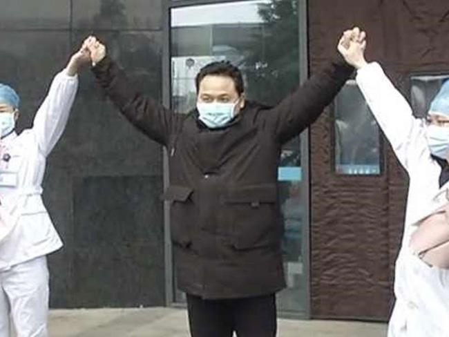1 bệnh nhân viêm phổi Vũ Hán đã bình phục và xuất viện sau khi uống 25 lít nước?-2