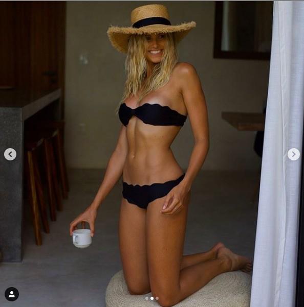 Mê mẩn ngắm đường cong bỏng rẫy của siêu mẫu Natalie Roser-8