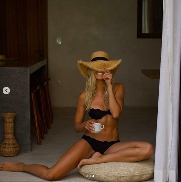 Mê mẩn ngắm đường cong bỏng rẫy của siêu mẫu Natalie Roser-9