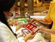 Người mua vàng lỗ cả triệu đồng ngày vía Thần Tài