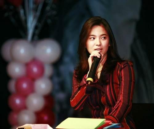 12 năm trước, nhan sắc Song Hye Kyo đã gây sốt dễ hiểu vì sao Hyun Bin say đắm-1