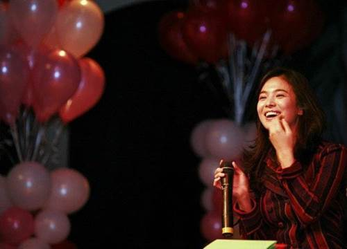 12 năm trước, nhan sắc Song Hye Kyo đã gây sốt dễ hiểu vì sao Hyun Bin say đắm-2