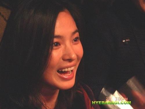12 năm trước, nhan sắc Song Hye Kyo đã gây sốt dễ hiểu vì sao Hyun Bin say đắm-3