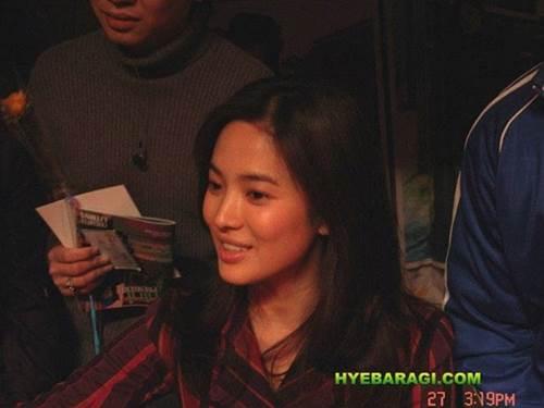 12 năm trước, nhan sắc Song Hye Kyo đã gây sốt dễ hiểu vì sao Hyun Bin say đắm-4
