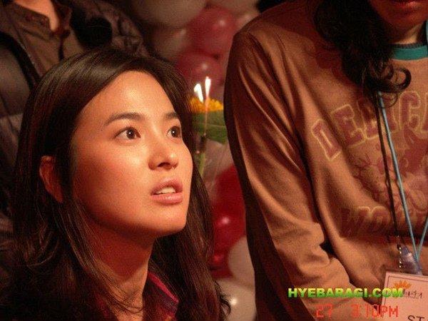 12 năm trước, nhan sắc Song Hye Kyo đã gây sốt dễ hiểu vì sao Hyun Bin say đắm-5