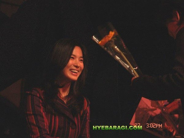 12 năm trước, nhan sắc Song Hye Kyo đã gây sốt dễ hiểu vì sao Hyun Bin say đắm-6