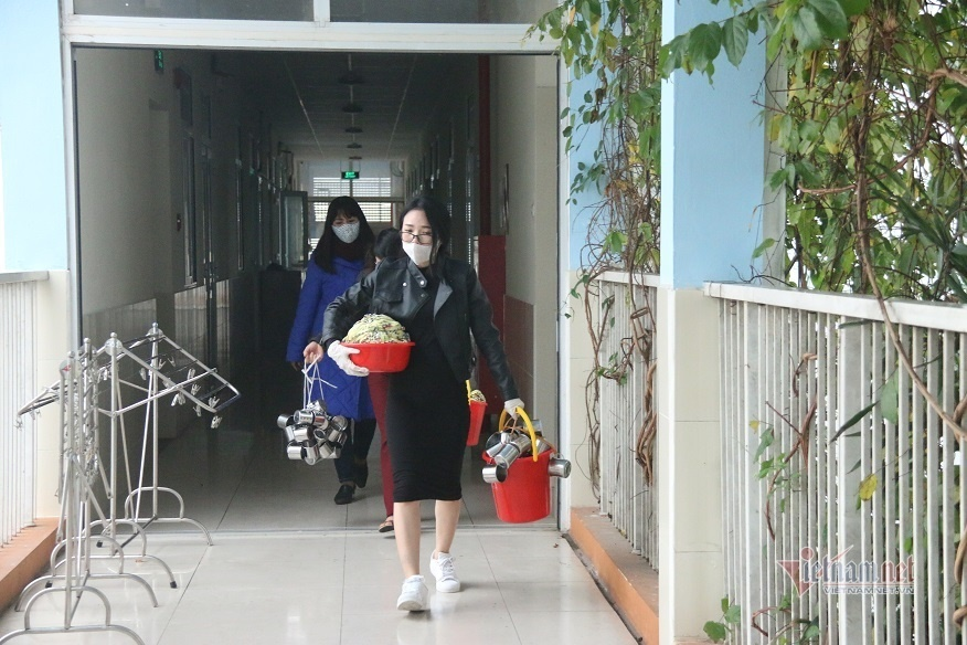 Giáo viên luộc khăn, chia rau...ngày nghỉ học phòng dịch virus corona-5