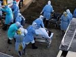 Bệnh nhân đau tim đang hấp hối bỗng được cứu sống vì xe cứu thương tông phải... ổ gà-3