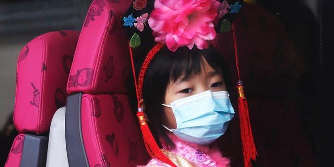 Hong Kong giám sát người nghi nhiễm virus corona bằng vòng đeo tay-1