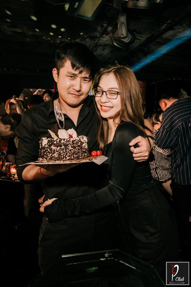 Nhật Lê ôm bạn trai mới đầy tình cảm, fan Quang Hải gắt gỏng: Giờ thì thôi khóc mướn cho mối tình năm 17 tuổi được rồi-6