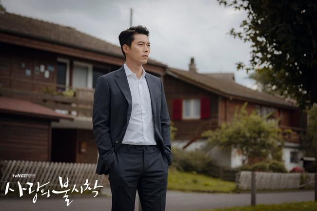 Muốn lịm đi mỗi lần Hyun Bin diện vest cực bảnh trong Hạ Cánh Nơi Anh, lỡ mai này rời xa thì Son Ye Jin biết sống sao?-10