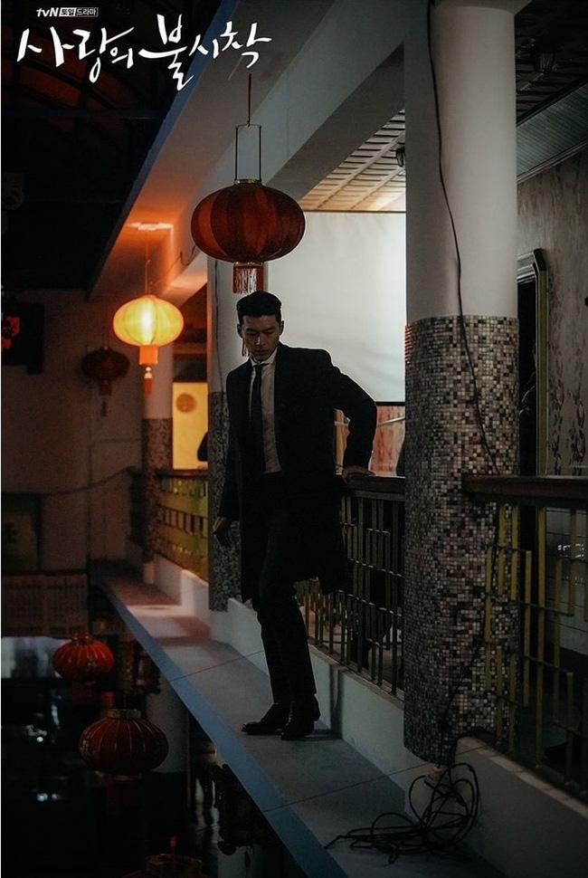 Muốn lịm đi mỗi lần Hyun Bin diện vest cực bảnh trong Hạ Cánh Nơi Anh, lỡ mai này rời xa thì Son Ye Jin biết sống sao?-6