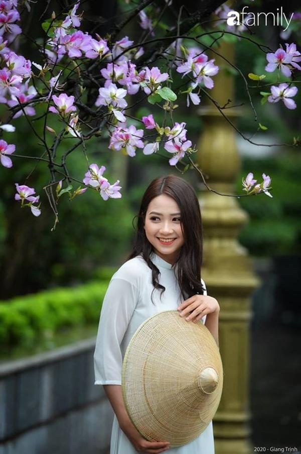 Những ngày ảm đạm vì dịch bệnh và mưa rét, chẳng ai nhận ra hoa ban tím ở Hà Nội đã lặng lẽ bung nở từ khi nào-4