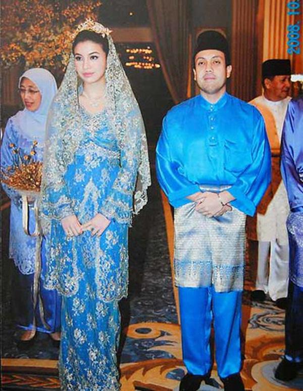 Cuộc chạy trốn của nàng dâu hoàng gia Malaysia: Hé lộ cuộc sống ngục tù nơi cung cấm, chứa đầy máu và nước mắt với người chồng bệnh hoạn-2