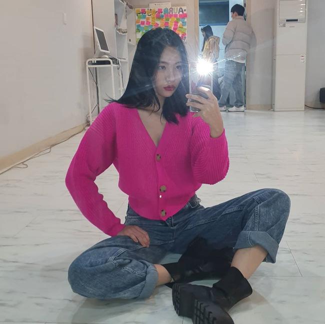 Bạn học 12 ý tưởng diện đồ hồng từ sao nữ Hàn thì Valentine chỉ xinh và sang chứ không có chuyện sến-10
