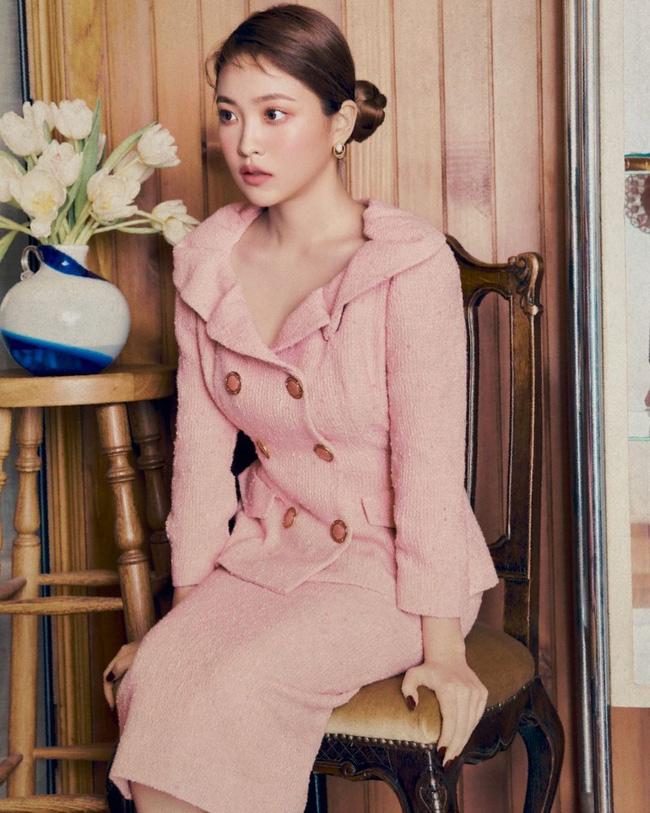 Bạn học 12 ý tưởng diện đồ hồng từ sao nữ Hàn thì Valentine chỉ xinh và sang chứ không có chuyện sến-2
