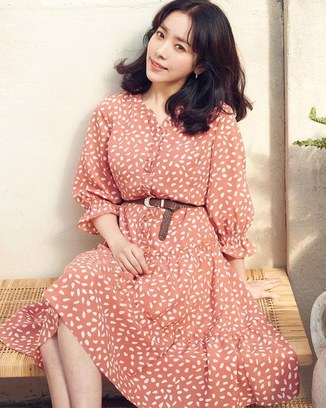 Bạn học 12 ý tưởng diện đồ hồng từ sao nữ Hàn thì Valentine chỉ xinh và sang chứ không có chuyện sến-9