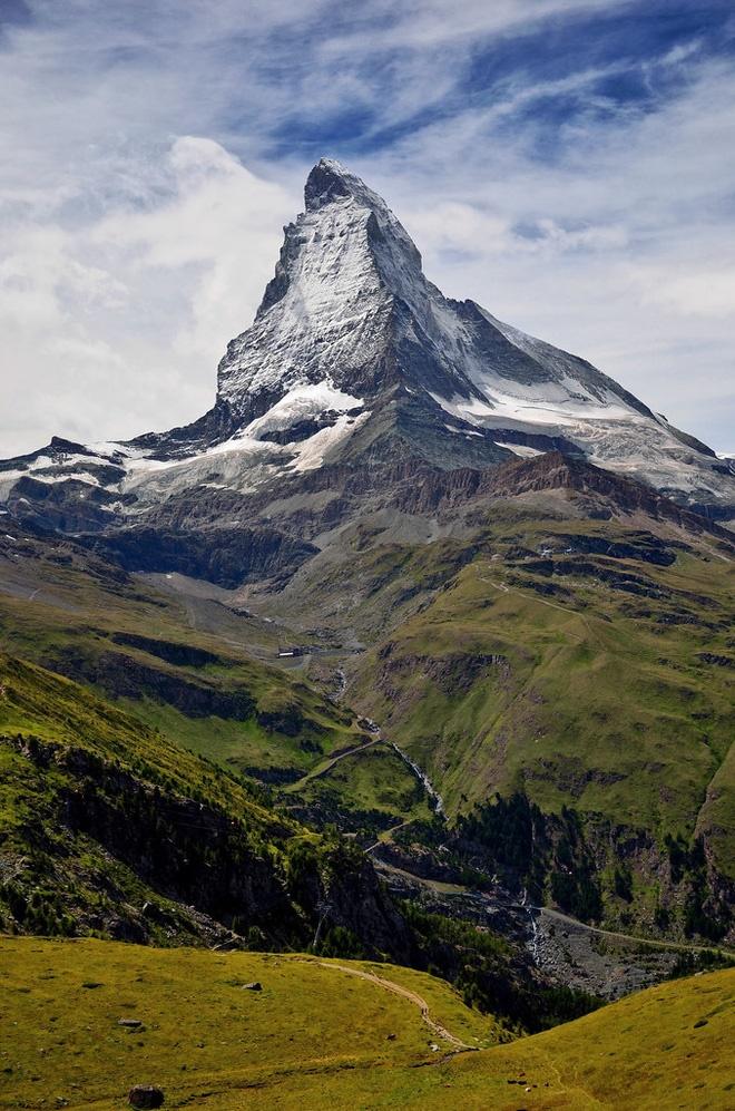 Choáng ngợp trước vẻ đẹp siêu thực của ngôi làng không xe hơi được mệnh danh là thiên đường mùa đông ở Thụy Sĩ-8