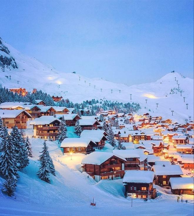 Choáng ngợp trước vẻ đẹp siêu thực của ngôi làng không xe hơi được mệnh danh là thiên đường mùa đông ở Thụy Sĩ-10
