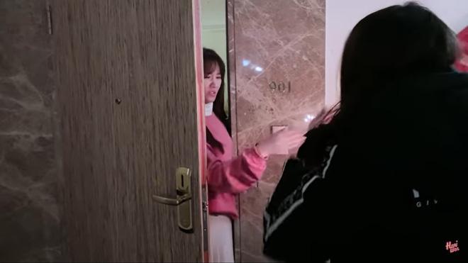 Trấn Thành bật khóc, hôn say đắm Hari Won khi được tổ chức sinh nhật tại Hàn Quốc-1