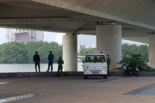Nóng: Phát hiện thi thể nữ giới không nguyên vẹn trong vali nổi trên sông Hàn-2