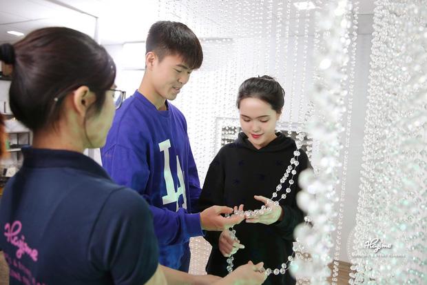 Đám cưới Duy Mạnh - Quỳnh Anh được trang hoàng bởi 500.000 viên pha lê, ảnh cưới theo bộ phim đình đám Hàn Quốc Hạ cánh nơi anh-2