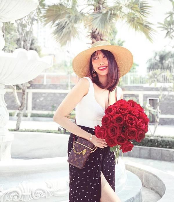 Ngắm gu thời trang của Lan Khuê: Gái một con sành điệu, gợi cảm-7