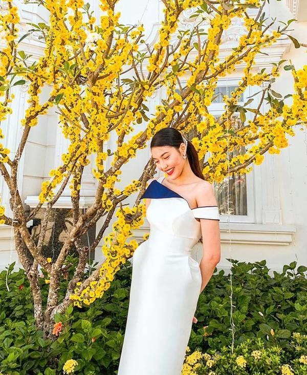 Ngắm gu thời trang của Lan Khuê: Gái một con sành điệu, gợi cảm-10