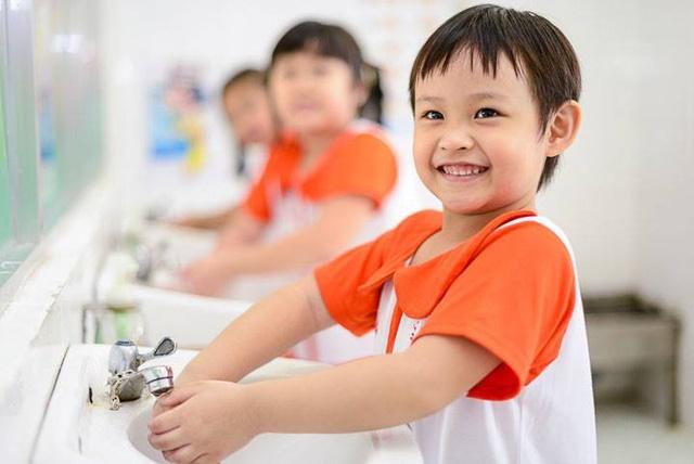 Đừng quá hoang mang về dịch cúm corona, hãy trang bị cho con loạt kiến thức sau để yên tâm trước khi trẻ đến trường-3