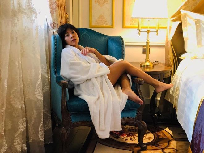 Nhan sắc nóng bỏng, cá tính của mỹ nhân Thái nổi tiếng trong MV Hương Giang-2