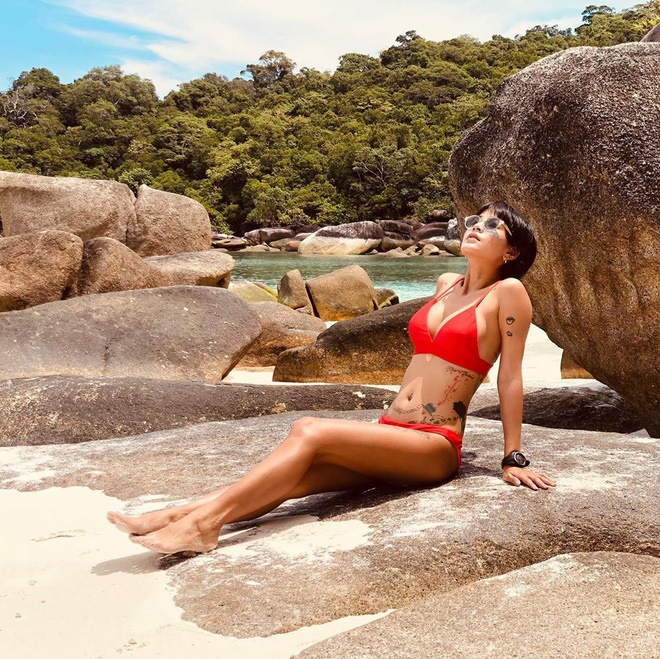 Nhan sắc nóng bỏng, cá tính của mỹ nhân Thái nổi tiếng trong MV Hương Giang-15