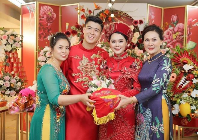 Trước khi đám cưới, Duy Mạnh và Quỳnh Anh thường diện đồ đôi đắt đỏ-1