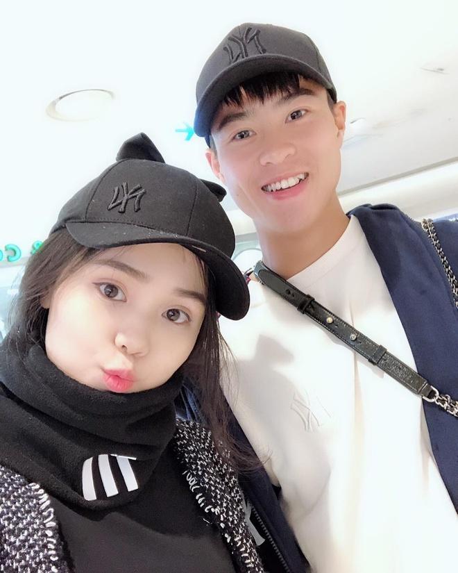 Trước khi đám cưới, Duy Mạnh và Quỳnh Anh thường diện đồ đôi đắt đỏ-6