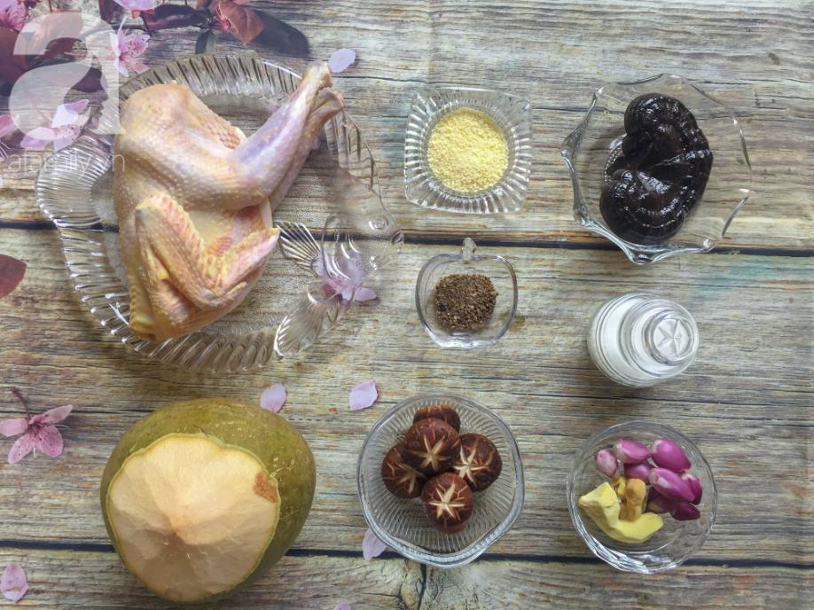 Cuối tuần bồi bổ sức khỏe cho cả nhà với món gà hầm nấm ngon xuất sắc-1