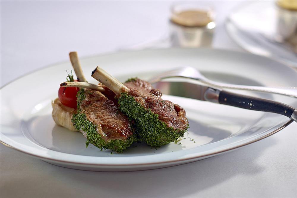 Vào hàng sang ăn quả lừa đau, tôm hùm, thịt bò hảo hạng bị đánh tráo-1