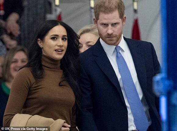 Dự sự kiện đầu tiên sau khi rời Hoàng gia Anh, vợ chồng Meghan tiết lộ chuyện thâm cung bí sử và bỏ túi ngay hàng chục tỷ đồng-1