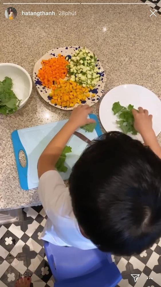 Cách dạy con đáng nể của vợ chồng Hà Tăng: 2 nhóc tỳ chưa được 5 tuổi đã biết tự lập, khả năng tiếng Anh đúng là không vừa-3
