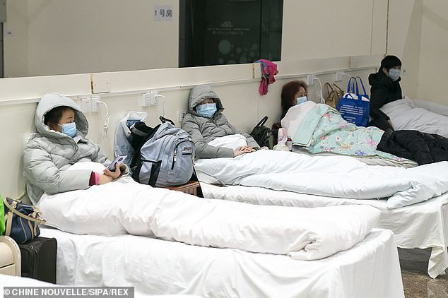 Bên trong bệnh viện dã chiến tại tâm dịch Vũ Hán: Bữa ăn của bệnh nhân chứa thịt động vật đặc biệt bổ dưỡng theo Đông Y-2