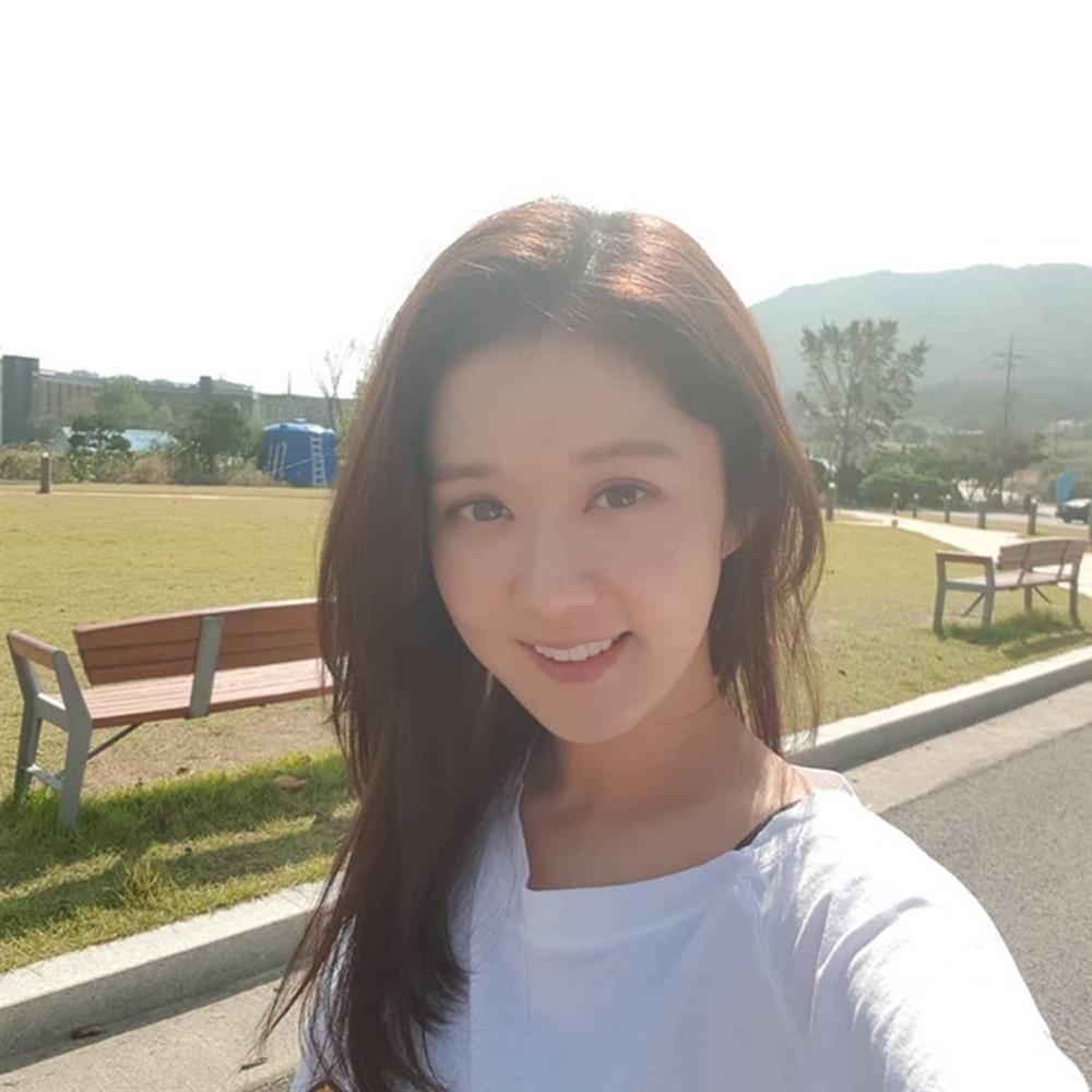 Nhan sắc trẻ trung tuổi 39 của Jang Nara-2