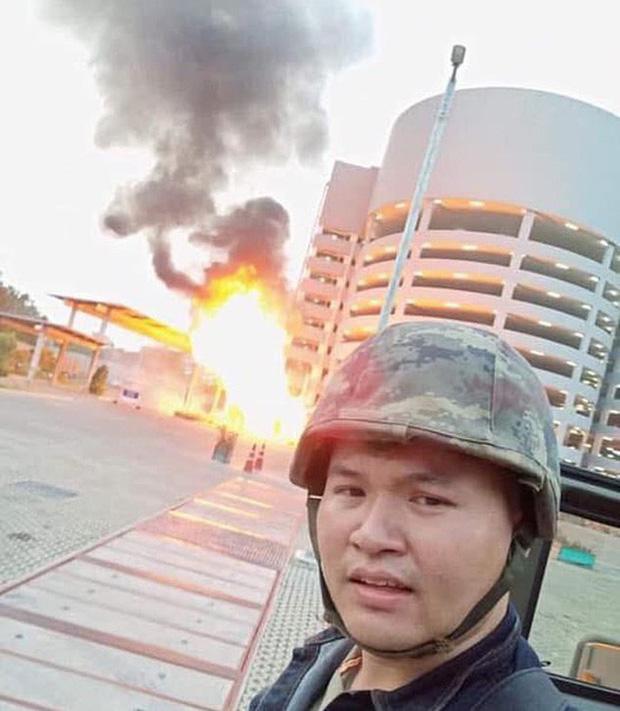 Quân nhân xả súng máy ở trung tâm thương mại Thái, 17 người thiệt mạng-2