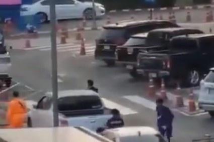 Quân nhân xả súng máy ở trung tâm thương mại Thái, 17 người thiệt mạng-1