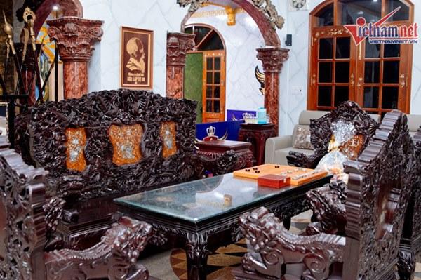Biệt thự dát vàng xa xỉ giá hàng trăm tỷ của sao Việt-23