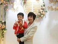 Con trai cưng của cầu thủ Văn Quyết từ lúc xuất hiện cứ liên tục làm duyên trong lễ cưới của dì Quỳnh Anh và chú Duy Mạnh