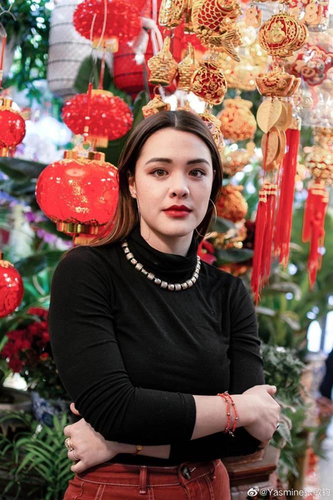 Nhan sắc lai Tây hút hồn của con gái nữ thần gợi cảm gốc Việt Chung Lệ Đề-5