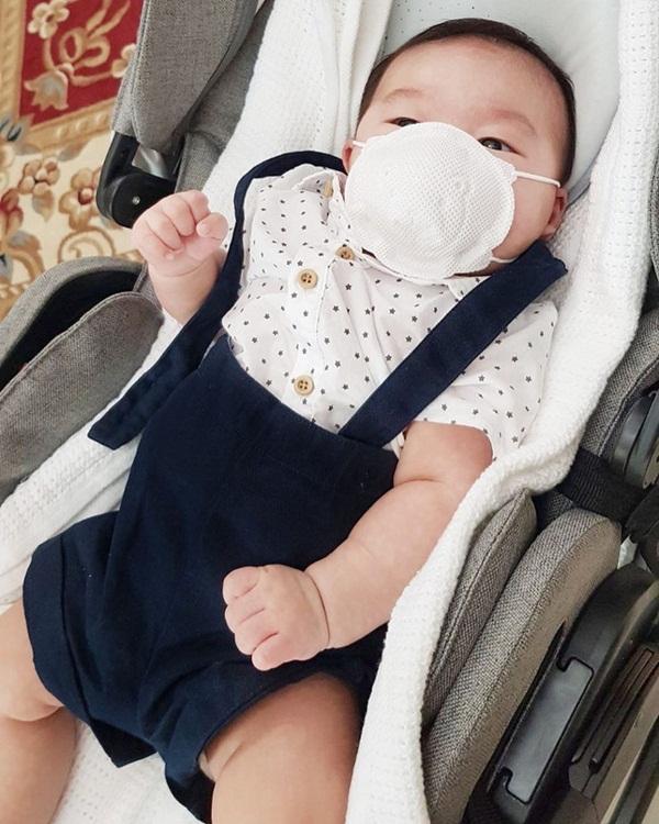 Sau gần 3 tháng sinh con, Lan Khuê tiết lộ sở thích đặc biệt với quý tử-2