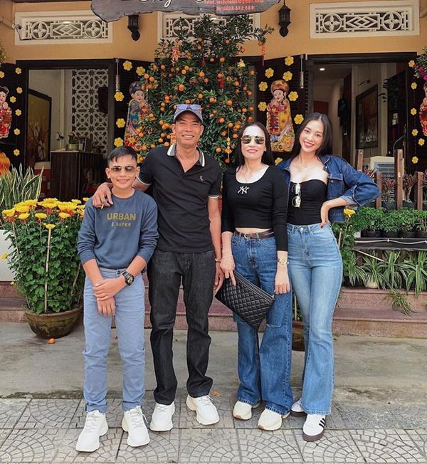 """Kiểu quần kéo chân"""" hot hit mùa xuân của loạt sao Việt: Nhìn qua là muốn tậu về diện ngay và luôn-5"""