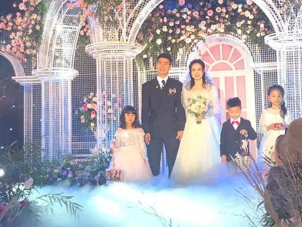Cô dâu Quỳnh Anh hé lộ sân khấu hôn lễ tối nay tại khách sạn 5 sao: Lung linh như lâu đài cổ tích, sàn lễ đường bằng thủy tinh-3